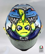 Valentino Rossi watch out for sharks helmet